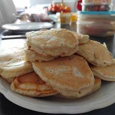 Diese Bananen-Pancakes schmecken nicht nur am Wochenende gut. Zudem sind sie superschnell gemacht und die ideale Möglichkeit, um überreife Bananen loszuwerden.