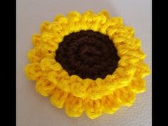 YouTube Crochet Dish Towels, Freeform Crochet, Crochet Videos, Crochet Designs, Crochet Dolls, Crochet Flowers, Diy And Crafts, Crochet Earrings, Beanie