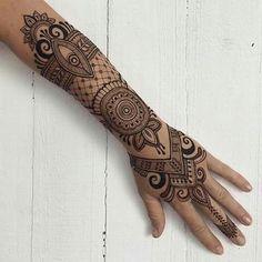Pin // ryancherii More Henna Tattoos, Henna Tattoo Sleeve, Mehndi Tattoo, Best Sleeve Tattoos, Henna Mehndi, Henna Art, Body Art Tattoos, Cool Tattoos, Henna Tattoo Designs Arm