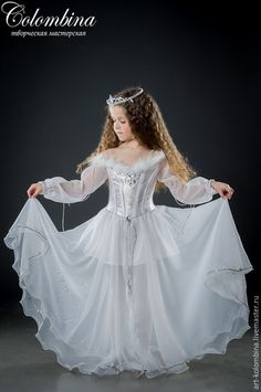 Купить или заказать костюм снежинки в интернет-магазине на Ярмарке Мастеров. Карнавальный костюм снежинки для девочки комплектация: платье, корона 134-146+300…