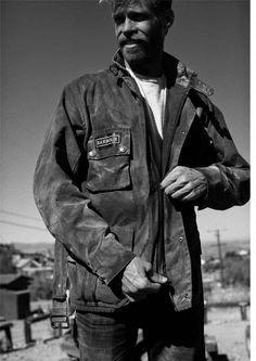Barbour Internacional Colabora com Deus Ex Machina Deus Ex Machina, Barbour International Jacket, Textiles Y Moda, Wax Jackets, Glamour, Moto Style, Belstaff, Gq, Men Dress