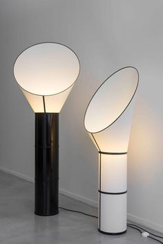 CARGO WALL LAMP SMALL - Designer Wall lights from designheure ✓ all information ✓ high-resolution images ✓ CADs ✓ catalogues ✓ contact. Modern Floor Lamps, Lamp Design, Lamp, Small Chandelier, Lamp Light, Large Floor Lamp, Wall Lamp, Modern Lighting, Ceiling Mounted Lights