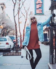 A jaqueta jeans oversized + a gola máxi compõem o look STATEMENT desta temporada da semana de moda e já é tendência entre as fashionistas que circulam por NYC... #Repost @ketherink que veste nossa coleção de Inverno 2016. #LebôhWinter16