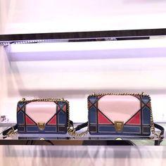 Dior  Diorama bag. Replica Handbags, Handbags Online, Dior Diorama Bag, Dior Bags, Louis Vuitton Shoulder Bag, Clutch Bag, Dior Purses, Clutch Bags, Clutches