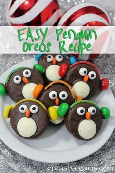 Adorable Penguin Oreo Cookies with Ear Muffs Recipe! Kids will love these popular cookies! Find out the yummy ingredients! Adorable Penguin Oreo Cookies with Ear Muffs Recipe! Kids will love these popular cookies! Find out the yummy ingredients! Holiday Cookies, Holiday Baking, Christmas Desserts, Holiday Treats, Penguin Cookies Christmas, Reindeer Cookies, Holiday Candy, Holiday Recipes, Kinder Party Snacks