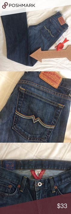 🆕LUCKY BRAND DARK SWEET N LOW JEANS SIZE 8/29 LUCKY BRAND 'GOOD LUCK' Regular inseam dark blue jeans size 8/29 in EUC 31in long. Great closet staple piece! Lucky Brand Jeans