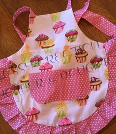 Pink Cupcake Apron by ClassyCreationsMDS on Etsy Toddler Apron, Kids Apron, Sewing Hacks, Sewing Crafts, Sewing Projects, Pink Cupcakes, Valentine Cupcakes, Childrens Aprons, Cute Aprons