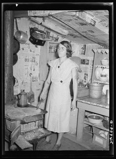 Wife of man on relief. Herrin, Illinois. 1939. Library of Congress.