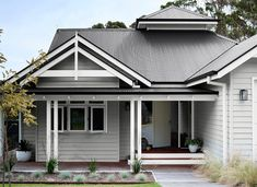 Best Exterior Paint Colors For House Weatherboard Colour Schemes Ideas Exterior Gris, Exterior Gray Paint, House Exterior Color Schemes, Exterior Paint Colors For House, Paint Colors For Home, Dulux Exterior Paint Colours, Cafe Exterior, Restaurant Exterior, Modern Exterior