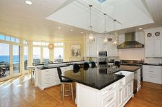 Luxury Small Kitchen Big Little Lies Madeline Mackenzie's House Reese Witherspoon kitchen design Luxury Kitchen Design, Best Kitchen Designs, Luxury Kitchens, Cool Kitchens, Small Kitchens, Reese Witherspoon, Big Little Lies, Little Kitchen, New Kitchen