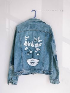 MindWerl Design 2019 MindWerl Design The post MindWerl Design 2019 appeared first on Denim Diy. Source by fashion design Painted Denim Jacket, Painted Jeans, Painted Clothes, Diy Clothes Paint, Diy Clothing, Custom Clothes, Jean Diy, Kleidung Design, Denim Art