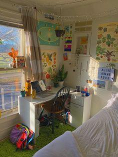 Indie Bedroom, Indie Room Decor, Cute Room Decor, Study Room Decor, Room Design Bedroom, Room Ideas Bedroom, Bedroom Decor, Bedroom Inspo, Room Ideias