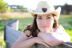 cowgirl-senior-pictures-hat-1
