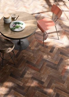 Frea Home factory comment: Love the effect of the tiles. Porcelain stoneware wall/floor tiles with brick effect TERRAMIX - Brick Texture, Tiles Texture, Brick Flooring, Wooden Flooring, Floors, Terrace Floor, Decorative Wall Tiles, Family Room Decorating, Room Tiles