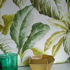 Banana Leaf | Leaf / Tropical Tree Design Wallpaper in Natural Green & White Tones. Banana Leaf | Palm Tree / Tropical Tree Design Wallpaper in Natural Green & White Tones. This Leaf design wallpaper is subtle, with natural colours. | eBay!