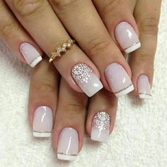 Nail Art with Dotting Tool: Step-by-Step Tutorial If you want to make nail art with dotting tool this article will give a great tutorial for good ideas, tips and hints ❤ See more at LadyLife ❤ Easy Nails, Simple Nails, Fun Nails, Bridal Nails, Wedding Nails, Winter Nail Designs, Nail Art Designs, Nails Design, French Nails