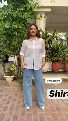 Diy Clothes Life Hacks, Diy Clothes And Shoes, Clothing Hacks, Indian Fashion Dresses, Girls Fashion Clothes, Stylish Dress Designs, Stylish Dresses, Shirt Hacks, Diy Fashion Hacks
