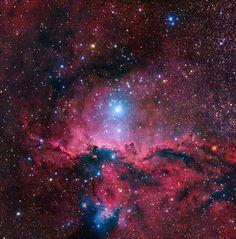 #Astronomy: How Can Just Three Stars Light Up a Stellar #Nursery?