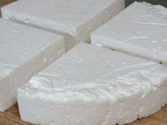 4 Raw Cheese Recipes @ GNOWFGLINS: Chevre (soft) cheese, Kefir cheese, Queso Fresco, and Feta.