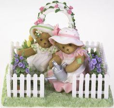 Cherished Teddies: Friends in the Garden