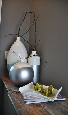 Faux dip-dyed vases http://timberandlace.blogspot.com/2011/09/when-one-thing-leads-to-another.html