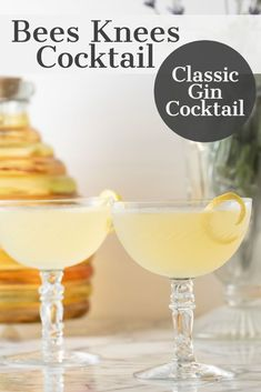 Bees Knees Cocktail - Bees Knees Cocktail – this classic gin cocktail is so e. - Bees Knees Cocktail – Bees Knees Cocktail – this classic gin cocktail is so easy to toss toget - Classic Gin Cocktails, Cocktails Bar, Gin Cocktail Recipes, Refreshing Cocktails, Summer Drinks, Cocktail Drinks, Fun Drinks, Martinis, Lemon Cocktails