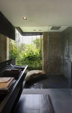 salle de bain à paroi de douche fixe en verre transparent - le rêve !!!!