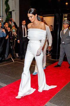 Los pantalones de Kendall Jenner en el Met son la pesadilla de cualquier madre- CosmopolitanES