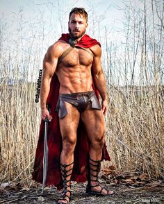 Hot nerds and geeks, sexy cosplay and gaymers. Spartacus, Roman Toga, Roman Gladiators, Chad White, Roman Warriors, Dragon Age Games, Warrior Costume, Underwear, Men In Kilts