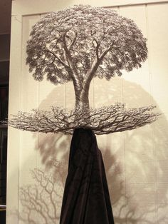 Beautiful tree sculpture created by Kevin Iris out of aluminum alloy wire. Wire Tree Sculpture, Sculpture Art, Wire Sculptures, Modern Sculpture, Metal Tree Wall Art, Metal Art, Bonsai Wire, Iris, Wire Trees
