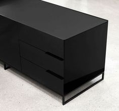 Strong and Masculine Office Furniture: Level by Gabriel Teixidó - http://freshome.com/2010/10/15/strong-and-masculine-office-furniture-level-by-gabriel-teixido/