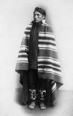 Blackfoot Man in Blanket, via Flickr. Pinned by indus® in honor of the indigenous people of North America who have influenced our indigenous medicine and spirituality by virtue of their being a member of a tribe from the Western Region through the Plains including the beginning of time until tomorrow.