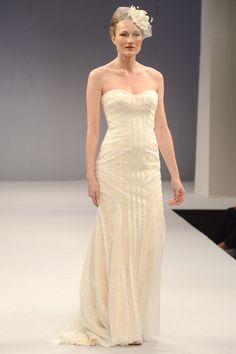 Anne Barge – Bridal Fall 2013    TAGS:Floor-length, Strapless, Cream, Anne Barge, Tulle, Elegant