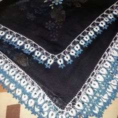 Bohemian Rug, Diy And Crafts, Jewelry Making, How To Make, Crochet Flowers, Dots, Needlepoint, Jewellery Making, Make Jewelry