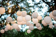 Labor Day Party Decor: Simple and Comfy. White or Ivory lamp balloons