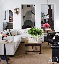 Sheryl Crow's Hollywood living room.   Photo: Roger Davies