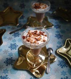 Mont blanc façon liegeois au brisure de cacao et de cannelle Cacao, Moment, Pudding, Food, Party Desserts, Kitchens, Cinnamon, Conkers, Mont Blanc
