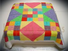 quilt cake. I wanna try to make this for my grandma. @Shelley Stokes Wanna try? :)