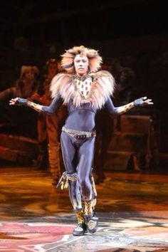 Adam Lake, European tent tour Love the fur on the lapels! Cats Musical, Musical Theatre, Cats Cast, Jellicle Cats, Cutest Cats Ever, Broadway, Cat Costumes, Costume Ideas, Cat Makeup