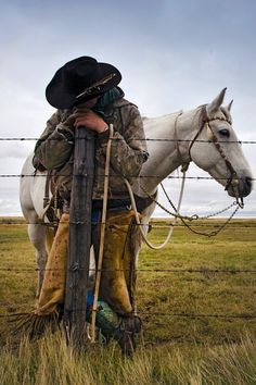 so many times I've done that. The hours of waiting. waiting for the cows. Waiting for the others. Waiting, its a part of ranch life...