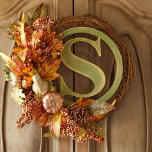 A floral monogram wreath to welcome guests this fall