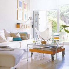 Salón en color blanco. Casa en Cádiz
