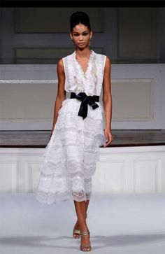 Oscar de la Renta - so simple, so wonderful! I want him to dress me!!