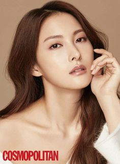 'Cosmopolitan' released cuts from the December issue featuring former KARA member, Gyuri!The actor-turned-idol-turned-actor talked about this transiti… Korean Beauty, Asian Beauty, Park Gyuri, Kim Sang, Beauty Around The World, Korean Entertainment, Kara, How To Look Pretty, Kpop Girls
