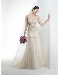 Robe de mariée col V tulle appliqué avec ceinture