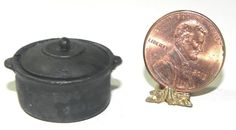 Dollhouse Miniature Dutch Oven Black with Lid Island Craft 1:12   #IslandCrafts