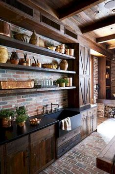 Rustic kitchen cabinets really appeals for traditional designs. Let's explore what kind of kitchen cabinets that can be placed to create stylish country kitchen. Country Kitchen Layouts, Country Kitchen Cabinets, Rustic Country Kitchens, Rustic Kitchen Design, Kitchen Cabinet Styles, Shabby Chic Kitchen, Farmhouse Style Kitchen, Rustic Tiles, Southern Kitchens