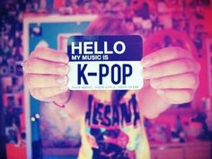 Kpop... I love the fact that she's wearing an alesana shirt!!!