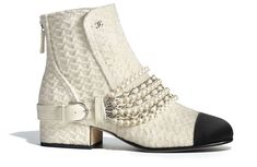 Explore the newest Short Boots on the CHANEL website, featuring the latest styles and looks, made with the quality craftsmanship of the House of Chanel. Chanel Vestidos, Wonder Woman Shoes, Chanel Boots, Chanel Dress, Chanel Store, Dream Shoes, Ivoire, Short Boots, Luxury Shoes