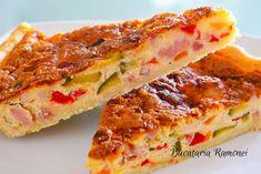 Acest Quiche rapid cu legume este inspirat din traditionalul Quiche, o tarta de origine franceza, preparata dintr-un aluat brisee si cu o umplutura pe baza de smantana si oua. La aceasta se adauga diverse umpluturi, precum in reteta de mai jos, unde am adaugat legume. Acesta tarta sarata este foarte satioasa si aromata si pate fi servita atat calda cat si rece. Quiche Lorraine, Sandwiches, Recipes, Pies, Ripped Recipes, Paninis, Cooking Recipes
